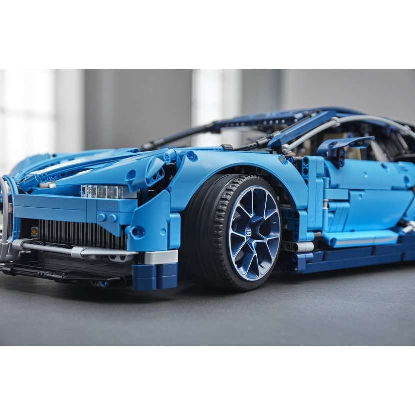 lego technic 42083 bugatti chiron pygmalino hry a. Black Bedroom Furniture Sets. Home Design Ideas
